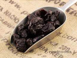 Organic pitted prunes